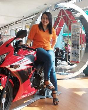 Anisa Setyaningsih MOTOR HONDA KLATEN